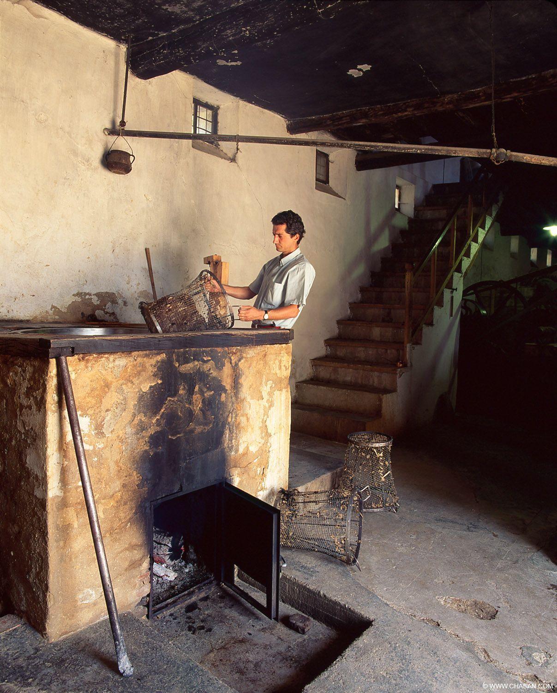 Lavado de lana artesanal en Grazalema