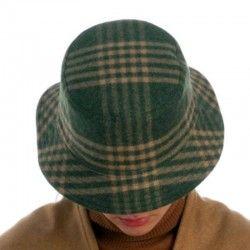 Grüne Wollmütze